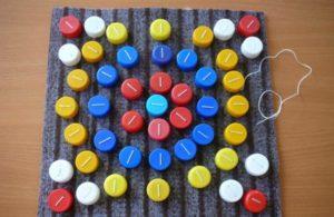 Мозаика из крышек от пластиковых бутылок: Поэтапное описание создания